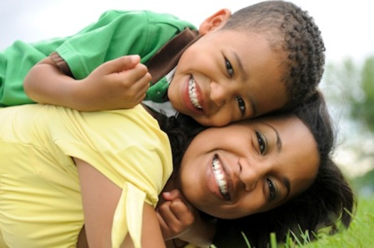 can single parents raise successful children A single parent is a parent that parents alone without the other parent's support, meaning this particular parent is the only parent to the child, responsible for all financial, material.